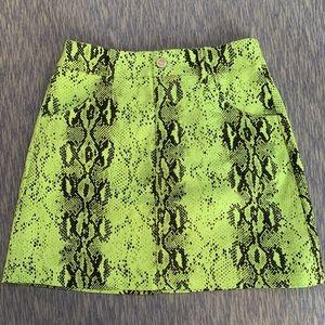 Dresses & Skirts - 🎀neon green mini skirt 🎀